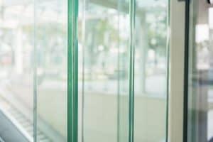 זכוכית בידודית או טריפלקס