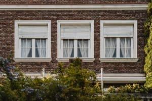 תריסים וחלונות