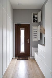 דלת משולבת חלון