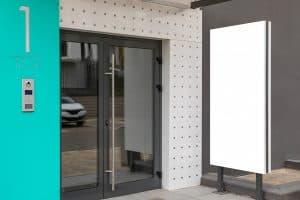 דלת כניסה אלומיניום וזכוכית